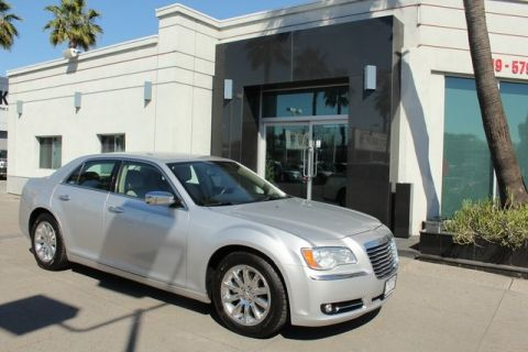 Pre-Owned 2012 Chrysler 300 Limited RWD 4D Sedan